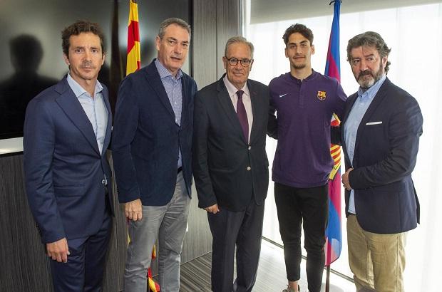 برشلونة يعلن رسميا عن أولى صفقاته الصيفية