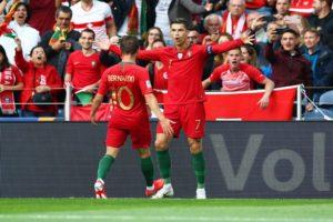 """رونالدو يصنع المجد بـ""""بهاتريك قاتل"""" ويقود البرتغال لنهائي دوري الأمم الأوروبية"""