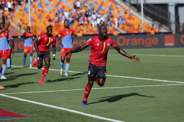 أوغندا ترسم ملامح معركة الأهلي وبيراميدز في الموسم الجديد!