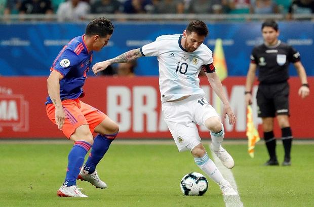 بين الشوطين: القدر يمنع الأرجنتين بوجود ميسي من هزيمة ثقيلة أمام كولومبيا
