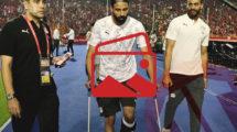 صور- ألف سلامة يا جنش.. الجماهير المصرية تدعم نجوم المنتخب لضمان الصدارة
