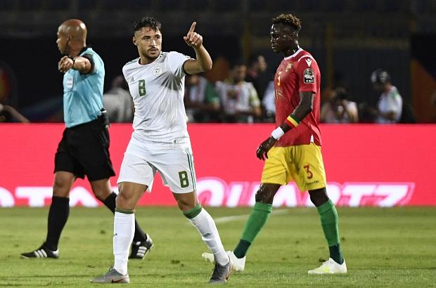 بين الشوطين: الجزائر تستعرض عضلاتها وتؤكد أنها المرشح الأول للكان