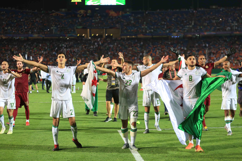 حسرة ماني وسط جنون الجزائر حديث الصحافة العالمية