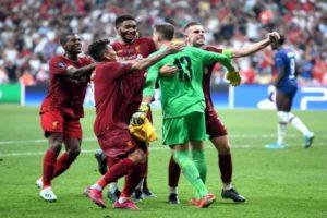 حارس ليفربول يقلل من الفوز على تشيلسي.. ويتحدث عن الخسارة من نابولي