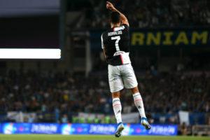 """""""المُنتهي"""" كريستيانو رونالدو مازال قادر على الطيران"""