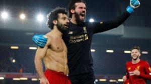 بعد أن هز أرجاء الآنفيلد.. لاعب ليفربول يكشف كواليس الهدف التاريخي لصلاح في شباك اليونايتد